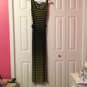 Black & Olive Sleeveless Maxi Dress with belt